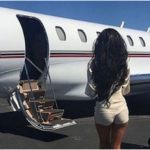 Доставить туфли частным самолетом? Пикантные истории бизнес-авиации