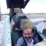 Հայաստանի վարչապետ Փաշինյանը աշխարհի լավագույն մարտական ինքնաթիռ Սու-30ՍՄ-ի ղեկանիվին