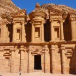 Петра - загадкове місто в пустелі